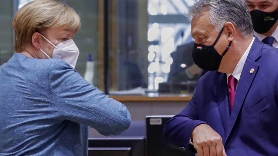 Angela Merkel und Viktor Orbán Anfang Oktober im Gebäude des Europäischen Rates in Brüssel