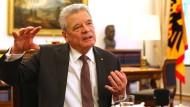 Gauck für Verlängerung der Griechenland-Hilfen