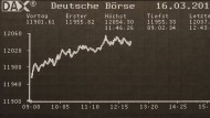 Schon am Vormittag kletterten die Kurse auf der Anzeigetafel der Börse über die 12.000-Punkte-Marke