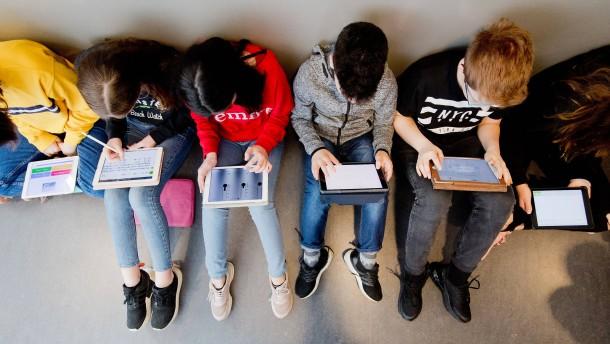 Lehrer müssen digital fitter werden