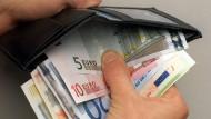 Wie dick ist der Geldbeutel des Chefs wirklich? Das soll bald transparenter werden.