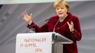 Merkel am Donnerstag beim IT-Gipfel in Saarbrücken