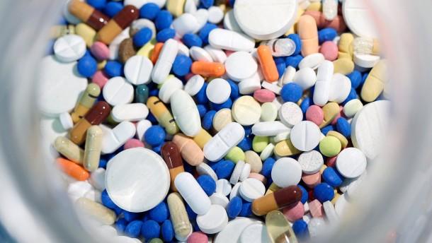 Hepatitis-Medikamente treiben Kassen-Ausgaben