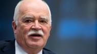 Prominenter Kläger: CSU-Politiker und ehemaliger Staatsminister Peter Gauweiler.