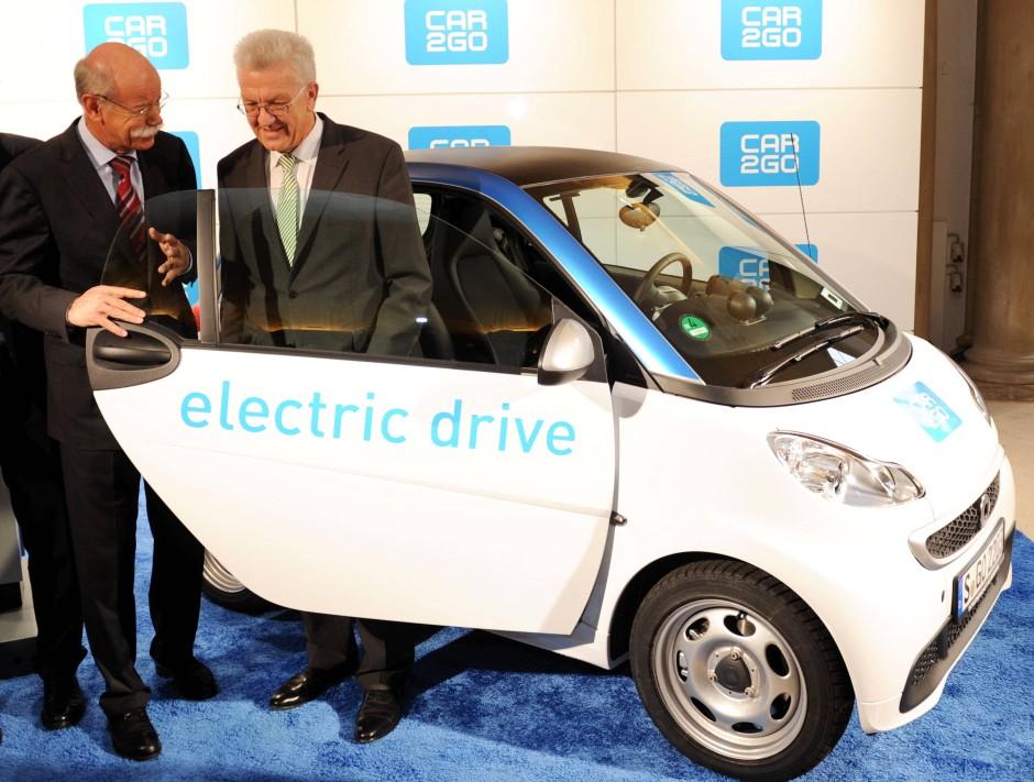 bild zu car 2 go stuttgart startet carsharing mit 300 elektroautos bild 1 von 1 faz. Black Bedroom Furniture Sets. Home Design Ideas