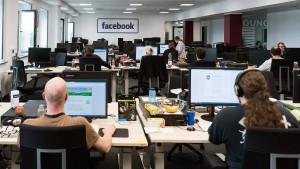 Facebook löscht Meinungen nach eigenen Regeln