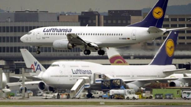 Lufthansa verliert im ersten Quartal 400 Millionen Euro