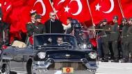 Der türkische Präsident Recep Tayyip Erdogan während einer Zeremonie zum 92. Geburtstag der türkischen Republik an diesem Freitag.