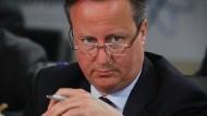 David Cameron: Sollten weitere Ungereimtheiten ans Licht kommen, könnte ihn der Fall sogar sein Amt kosten.