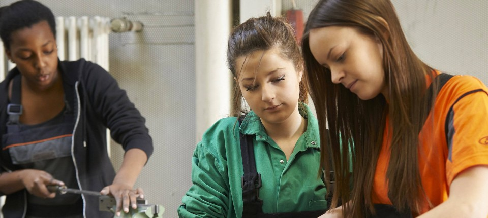 Frau arbeit kennenlernen
