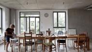 """Wohnungsgenossenschaften versprechen mehr als nackte Wände. Doch stellt sich das Gemeinschaftsgefühl auch ein? Die Genossen vom Projekt """"Spreefeld"""" in Berlin hoffen darauf."""