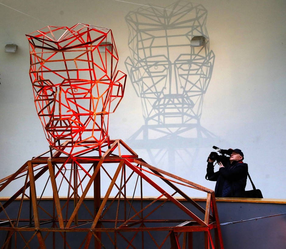 So sieht ein Künstler den Visionär: Nikola Tesla in Zagreb