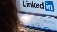 LinkedIin ist nach eigenen Angaben das weltweit größte berufliche Netzwerk mit mehr als 400 Millionen Nutzern.