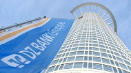"""Im Bankenhochhaus """"Westend 1"""" in Frankfurt hat die DZ Bank ihr Hauptquartier."""