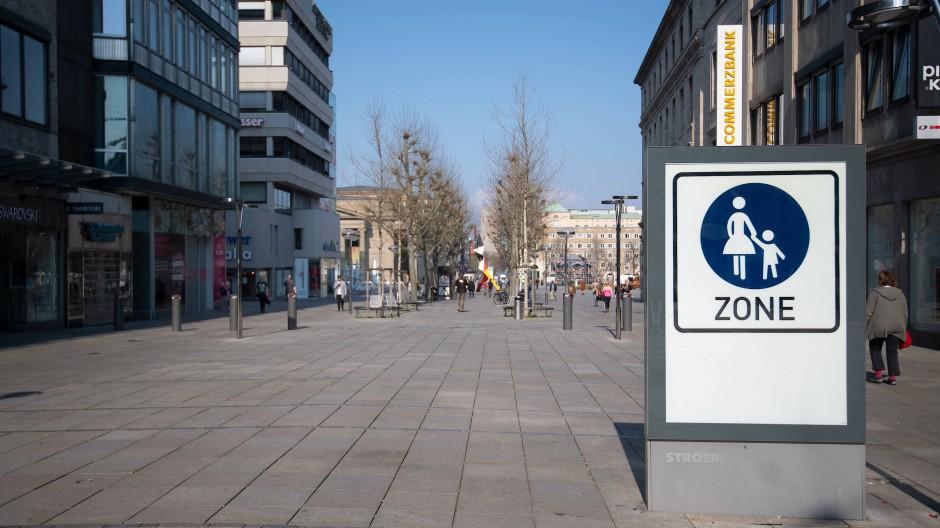 Stillstand in Deutschland: Zum Höhepunkt des Lockdowns waren viele Innenstädte menschenleer.