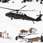 Der amerikanische Regierungshubschrauber mit Donald Trump an Bord bei seiner Landung vor zwei Jahren in Davos. Auch in diesem Jahr wird Trump erwartet.