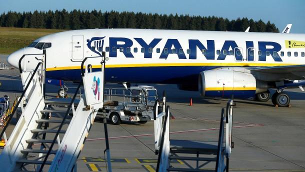 Ryanair-Flugbegleiter kündigen Streik in fünf Ländern an