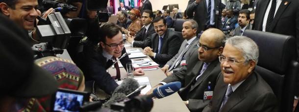 Umringt von Journalisten auf der Opec-Konferenz in Wien: Saudi Arabiens Ölminister Ali al-Naimi