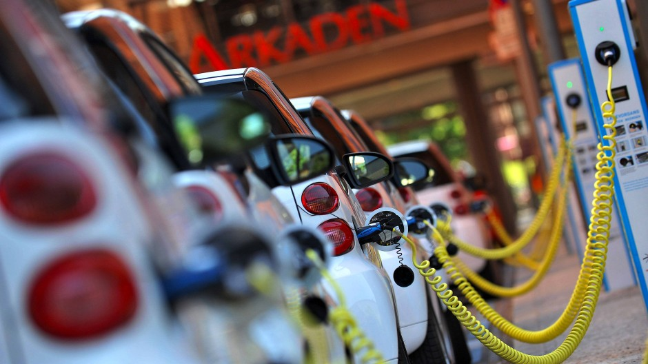 Elektroautos am Potsdamer Platz in Berlin