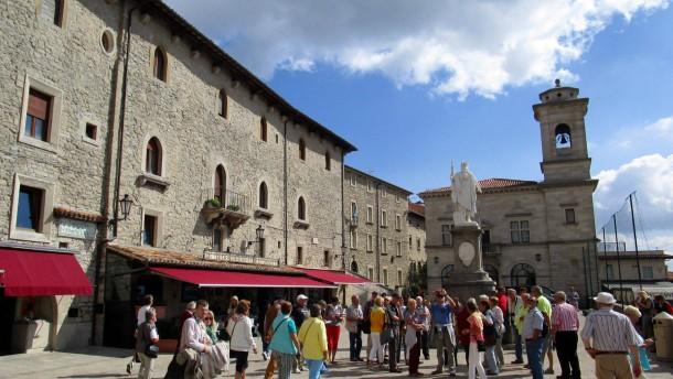 Italienische Steuerfahnder spüren Milliarden in San Marino auf