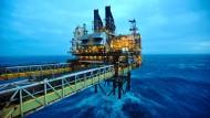 Endlicher Rohstoff: Irgendwann ist die Ölförderung vorbei, auch für BP wie hier in der Nordsee.