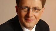 Wilhelm Schilling ist Diplom-Psychologe und Coach. Er leitet den Bundesverband Deutscher Psychologinnen und Psychologen (BDP).