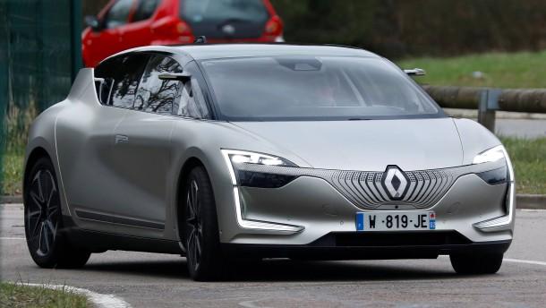 Bald überall erlaubt: Frankreich gibt selbstfahrende Autos frei