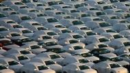 Neuwagen von Audi vor der Verladung auf Handelsschiffe in Emden