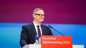 Wahl von Sparkassen-Chef Fahrenschon wegen Strafbefehl verschoben