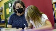 Einfühlungsvermögen gefragt: Lehrerin an einer Grundschule in Kreuzberg