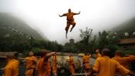 In China hat der Buddhismus Tradition, schwankt aber heute zwischen Folklore und Kommerz.