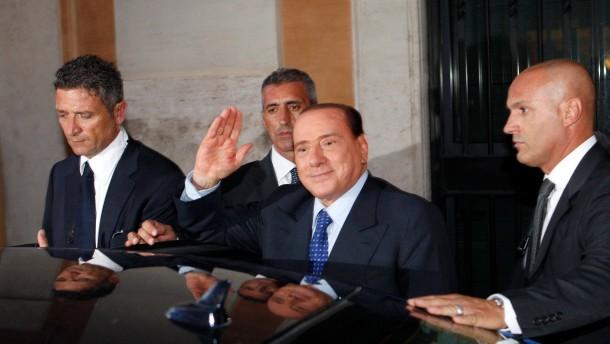 Drohgebärden nach Berlusconis Verurteilung