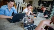 Im Café arbeiten mit W-Lan wird bald deutlich leichter.