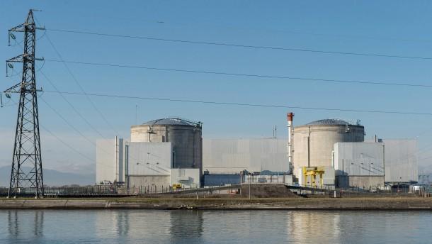 Frankreich legt fünf Atomreaktoren still