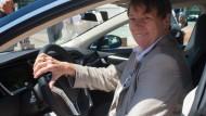 Hendricks bringt Elektroauto-Quote ins Spiel
