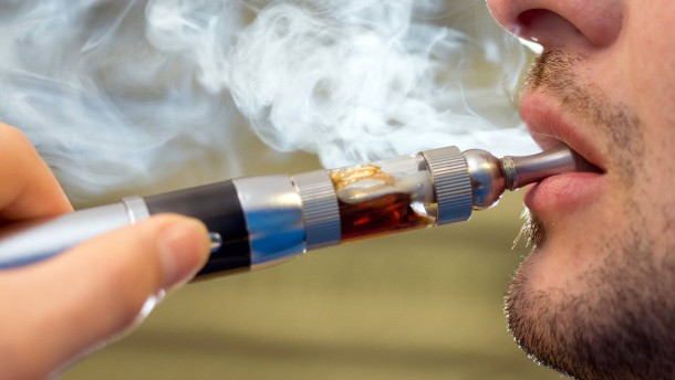 Ärztepräsident: Werbeverbot muss auch für E-Zigaretten gelten