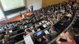 Immer weniger Schüler und Studenten bekommen Bafög