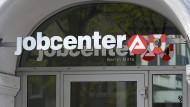 Zulauf: Auch in Hessen gingen Jugendliche nach dem Schulabschluss zu Arbeitsagentur und Jobcenter - wie so oft aus diesem Anlass