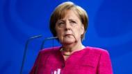 Wackelt ihre Regierung? Angela Merkel während der Pressekonferenz mit Nato-Generalsekretär Stoltenberg am Freitag in Berlin.