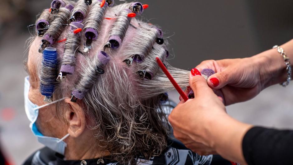 Im vergangenen Frühjahr mussten die Friseure schon einmal wegen der Pandemie schließen.