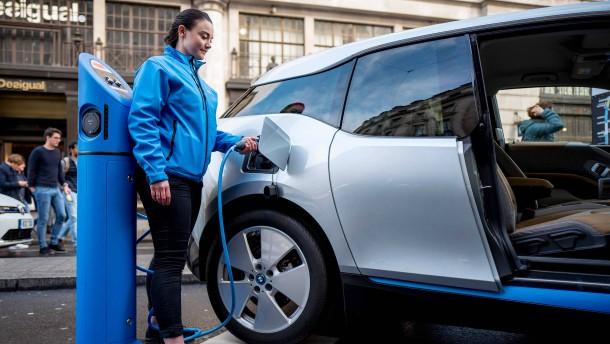 BMW nähert sich nun doch der Batteriezelle