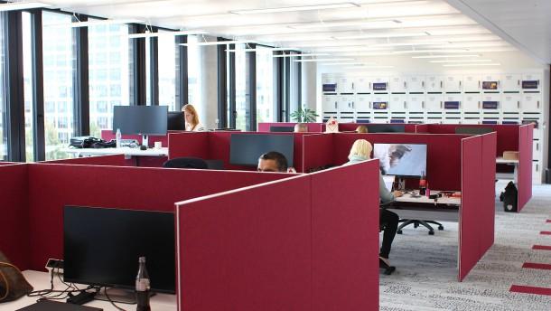 Moderne Bürokonzepte: Schreibtisch Verzweifelt Gesucht