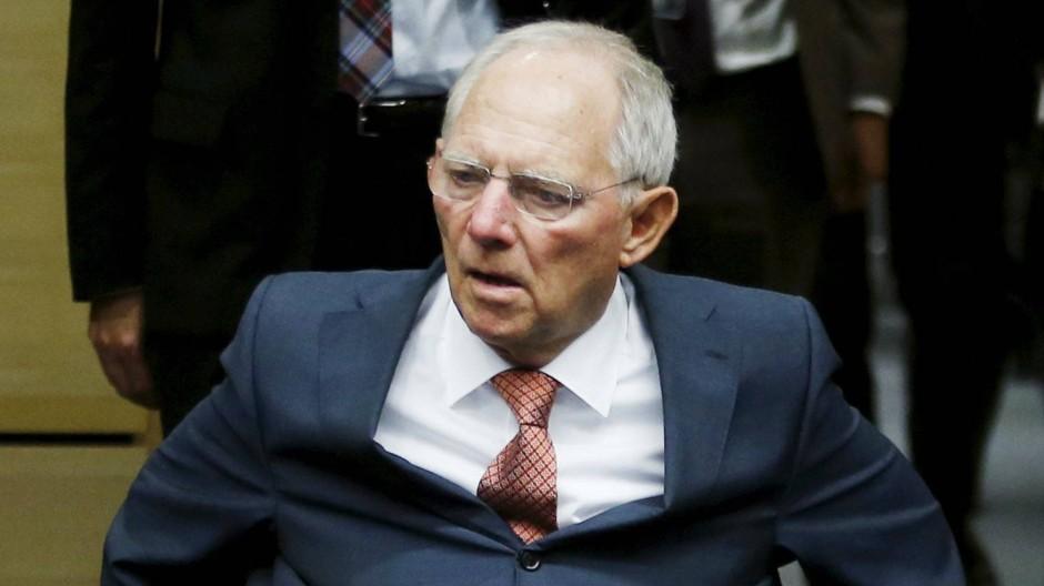 Will er Griechenland aus dem Euro raushaben - auch gegen den Willen der Kanzlerin? Finanzminister Wolfgang Schäuble kommt zum Euro-Finanzministertreffen nach Brüssel.
