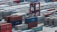 Die deutsche Wirtschaft ist besonders abhängig vom Export.