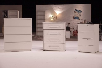 zdfzeit doku wer ist der beste m bel discounter. Black Bedroom Furniture Sets. Home Design Ideas