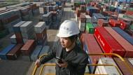 Chinas Exporte brechen überraschend ein