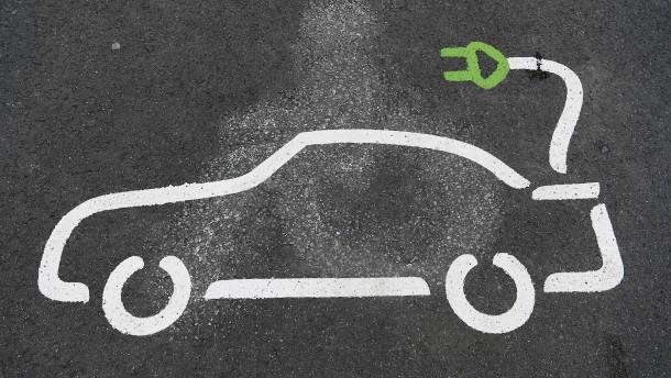 Mehr Ladepunkte für Elektroautos in neuen Gebäuden