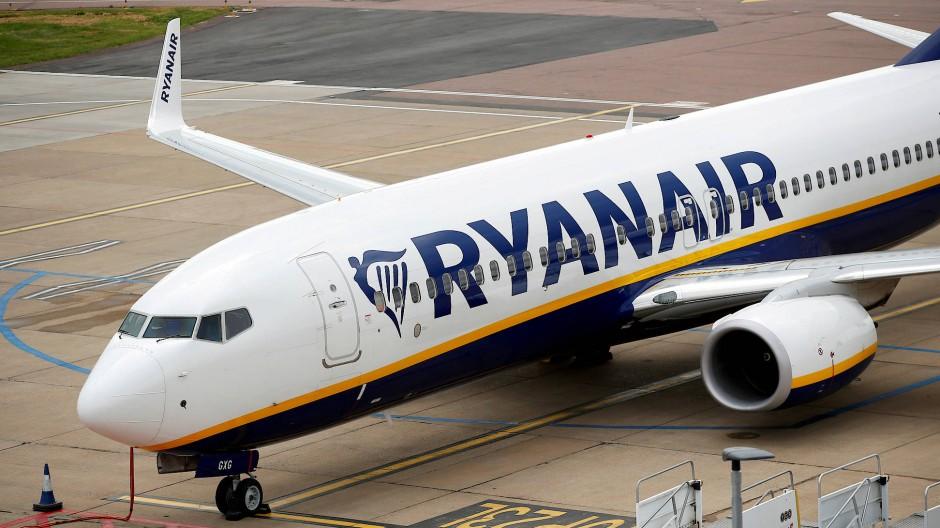 Brexit-Vorkehrungen getroffen: Ryanair-Jet auf dem Flughafen von Luton nahe London