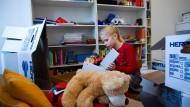Was bedeutet ein Umzug für Kinder? Je älter sie sind, desto schwerwiegender der Einschnitt.