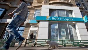 Kaufrausch stürzte Bank of Cyprus in den Ruin